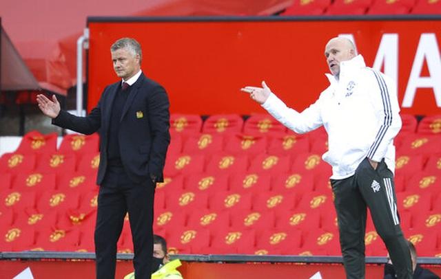 Man Utd 1-3 Crystal Palace: Điểm sáng nhỏ từ Van de Beek - 6