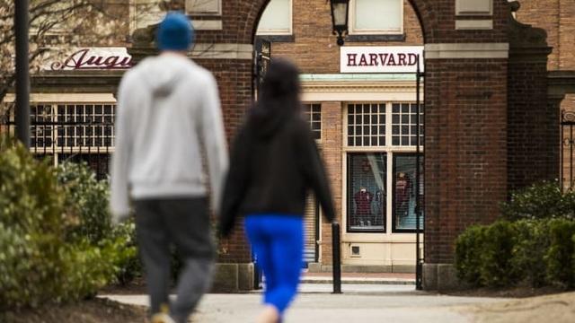 Học phí đại học Mỹ giảm do ảnh hưởng của Covid-19 - 1