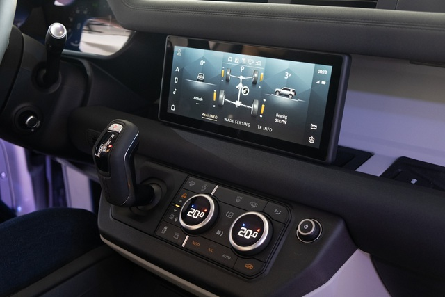 Land Rover Defender giá từ 3,85 tỷ - SUV cho đại gia Việt thích khám phá - 10