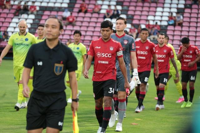 Đặng Văn Lâm được cổ động viên Muangthong United khen ngợi - 11