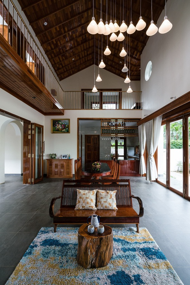 Ngôi nhà đẹp như resort con trai xây tặng bố mẹ giữa đồng quê ở Bình Định - 8
