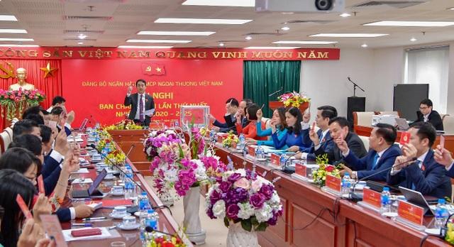 Tinh gọn bộ máy, nâng cao hiệu quả hoạt động xứng đáng là ngân hàng số 1 Việt Nam - 3