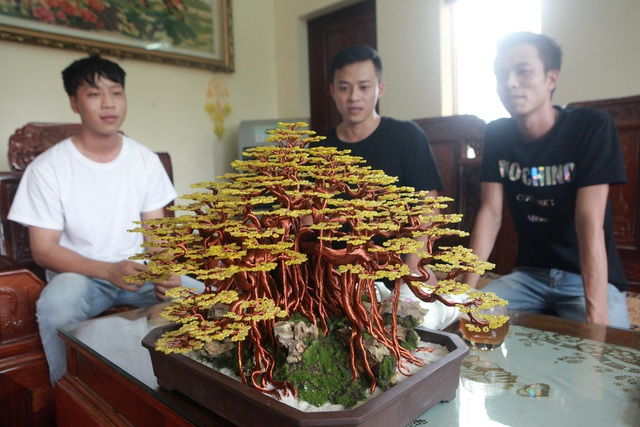 """Chiêm ngưỡng """"siêu cây"""" làm từ dây đồng, gắn hạt cườm, lớn nhất Việt Nam - 9"""