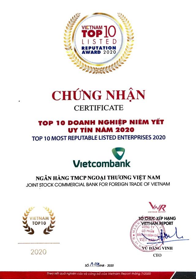 Vietcombank dẫn đầu bảng xếp hạng Top 10 Ngân hàng thương mại Việt Nam uy tín năm 2020 - 2
