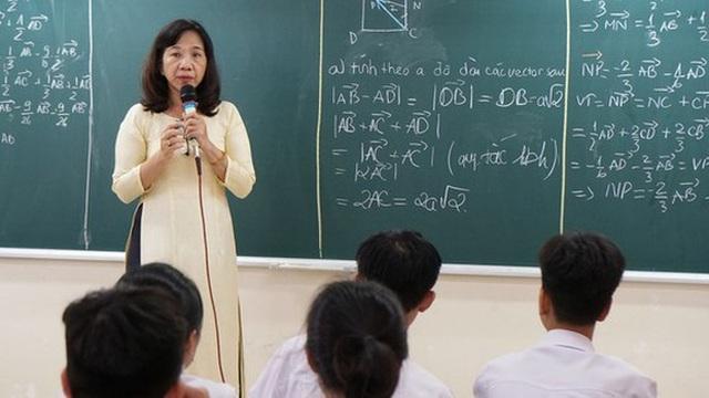 Trên 99% giáo viên phổ thông đã đạt trình độ chuẩn, trên chuẩn - 1