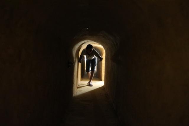 Bí ẩn căn hầm nuôi giấu cán bộ đào trong nhà dân - 1