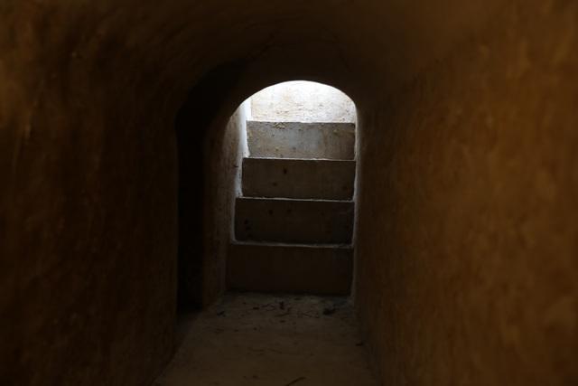 Bí ẩn căn hầm nuôi giấu cán bộ đào trong nhà dân - 4