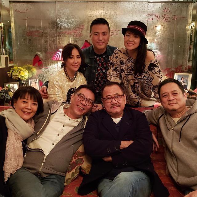 Nhan sắc ngọt ngào và tài sản kếch xù của Lưu Gia Linh ở tuổi 55 - 4