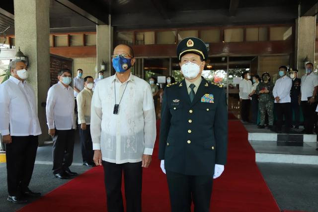 Mỹ - Trung chèo kéo Philippines trong cuộc ganh đua ảnh hưởng - 1