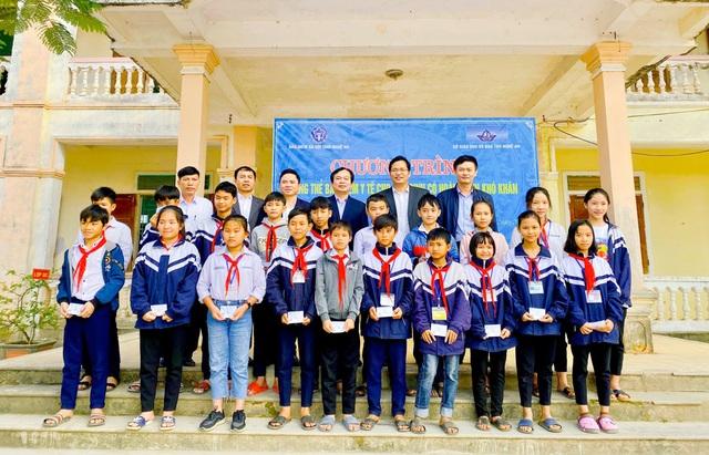 Nghệ An: Một học sinh được quỹ BHYT thanh toán nửa tỉ đồng chi phí điều trị - 4