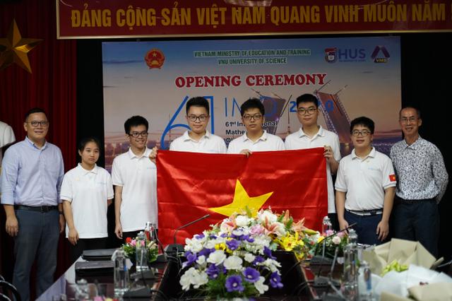 Kỳ thi Olympic Toán quốc tế 2020 tại Việt Nam: Chưa từng có trong tiền lệ - 2