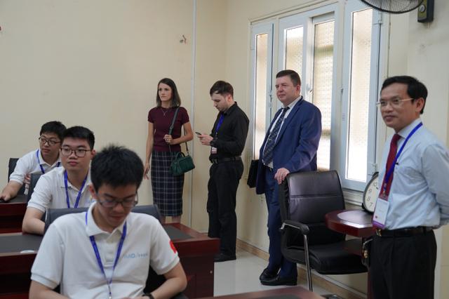 Kỳ thi Olympic Toán quốc tế 2020 tại Việt Nam: Chưa từng có trong tiền lệ - 3