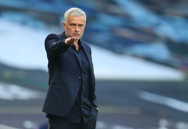 Mourinho lọt top huấn luyện viên dễ bị sa thải nhất Premier League - 2