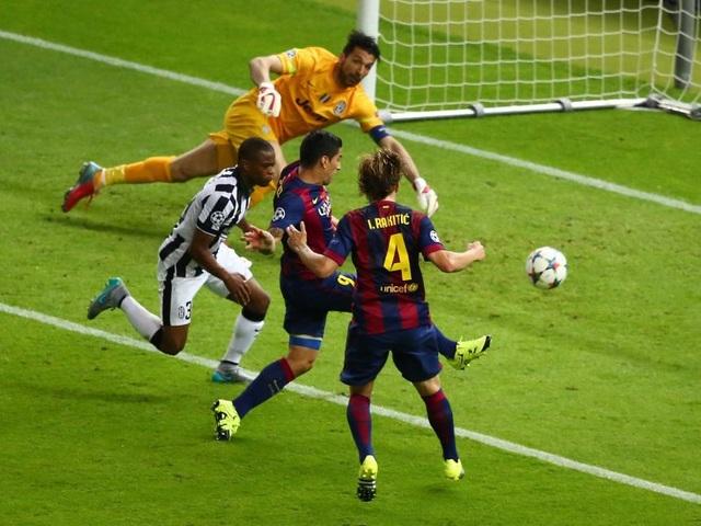 Những khoảnh khắc đáng nhớ của Luis Suarez cùng Barcelona - 2