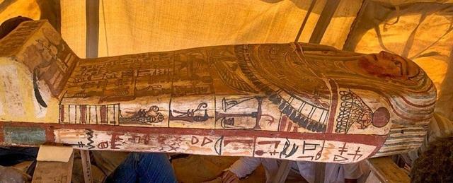 Phát hiện 14 quan tài được niêm phong trong 2.500 năm ở Ai Cập - 1