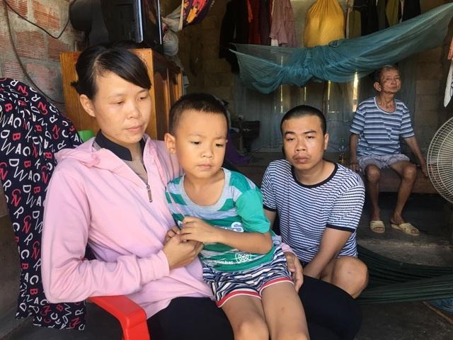 Bạn đọc Dân trí giúp đỡ người mẹ chăm chồng con bệnh tật hơn 50 triệu đồng - 1