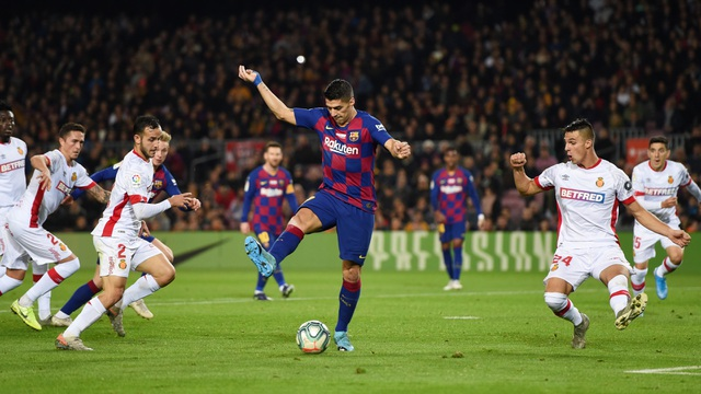 Những khoảnh khắc đáng nhớ của Luis Suarez cùng Barcelona - 6