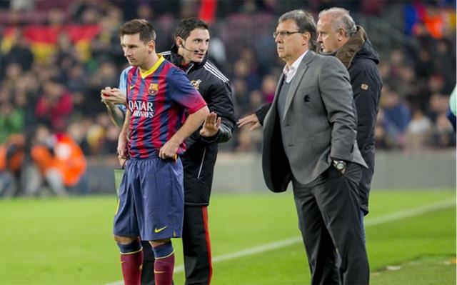 Messi bị tố dọa sa thải HLV lên Chủ tịch Barcelona - 1