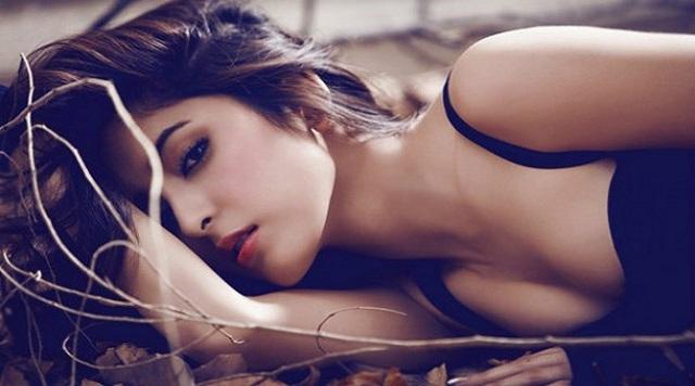 Cái đẹp... dục tính và lệ thuộc! - 1