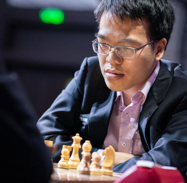 Lê Quang Liêm đánh bại đương kim vô địch Cúp cờ vua thế giới - 1