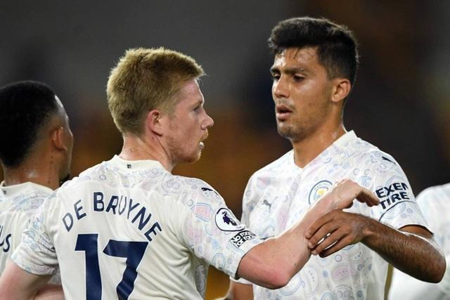 Man City phục thù thành công trước Wolves - 2