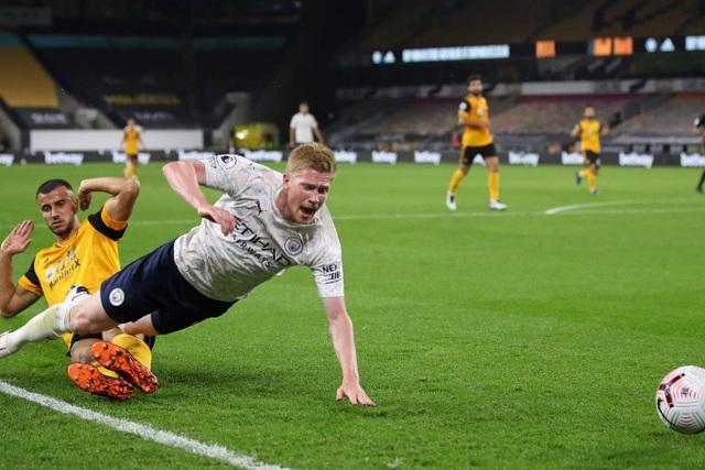 Man City phục thù thành công trước Wolves - 3