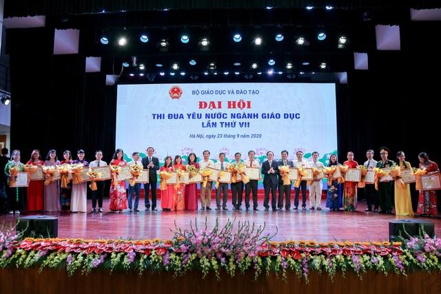 Phó Chủ tịch nước: Gắn thi đua với xây dựng môi trường giáo dục lành mạnh - 3