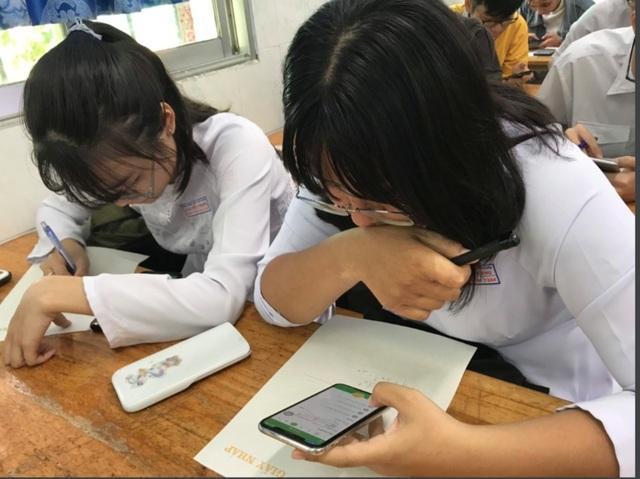 Tranh luận học sinh sử dụng điện thoại trong lớp:  Cơ hội hay nguy cơ? - 1