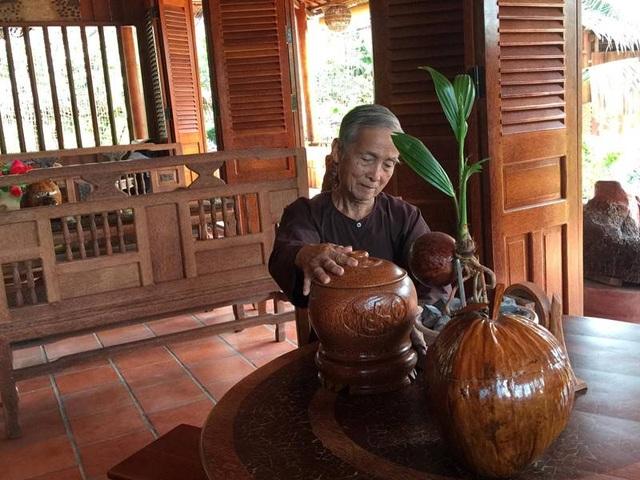Choáng ngợp biệt phủ 6 tỷ đồng làm từ 4.000 cây dừa của lão nông miền Tây - 2