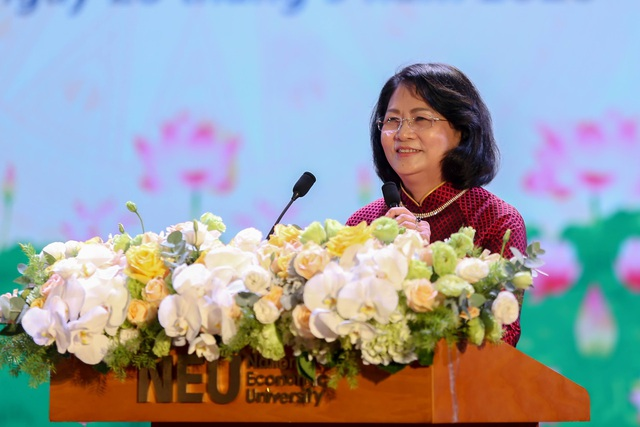 Phó Chủ tịch nước: Gắn thi đua với xây dựng môi trường giáo dục lành mạnh - 4