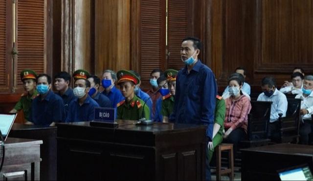 Nguyên giám đốc công ty lương thực Trà Vinh lãnh 30 năm tù - 2