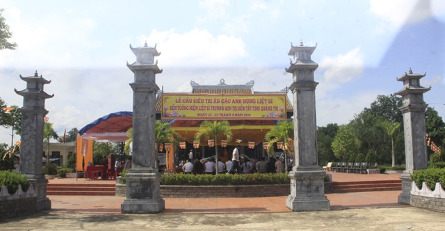 Lễ tri ân các anh hùng, liệt sĩ tại Đền tưởng niệm Trường Sơn- Bến Tắt - 3