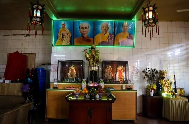 Khám phá ngôi chùa tồn tại nửa thế kỷ trong chung cư giữa Sài Gòn - 13