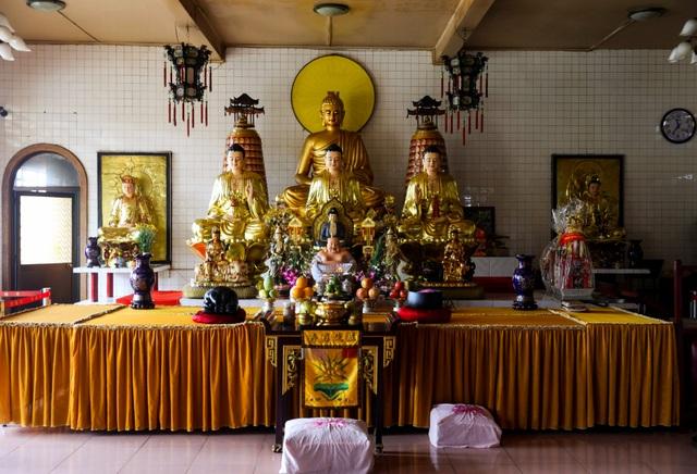 Khám phá ngôi chùa tồn tại nửa thế kỷ trong chung cư giữa Sài Gòn - 8