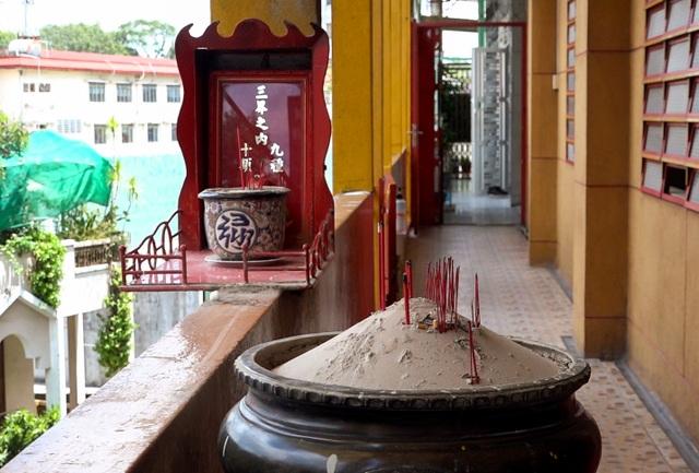 Khám phá ngôi chùa tồn tại nửa thế kỷ trong chung cư giữa Sài Gòn - 5