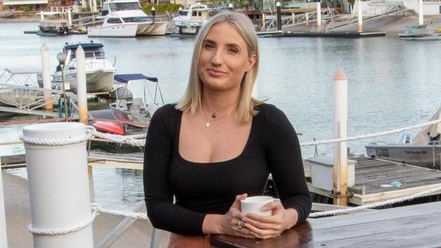 Cựu nữ cảnh sát tố bị đồng nghiệp quấy rối tình dục, lấy trộm ảnh khỏa thân - 1