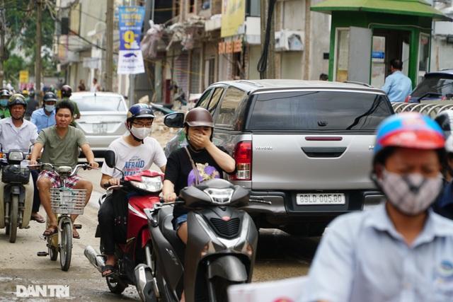 Hà Nội: Hơn 400 mét đường ì ạch thi công gần 3 năm chưa xong - 4