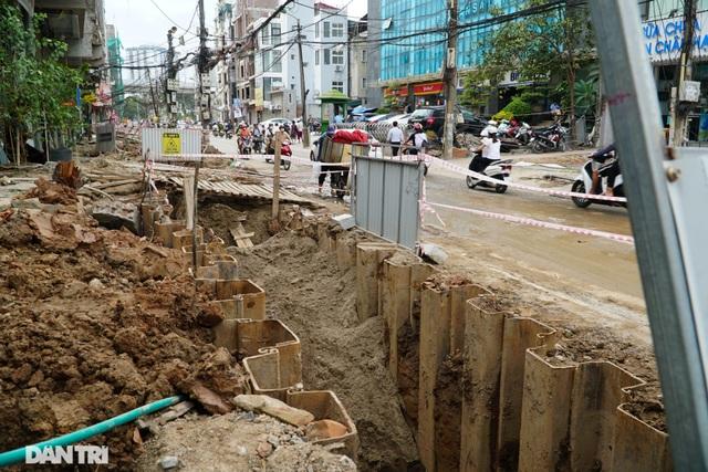 Hà Nội: Hơn 400 mét đường ì ạch thi công gần 3 năm chưa xong - 6