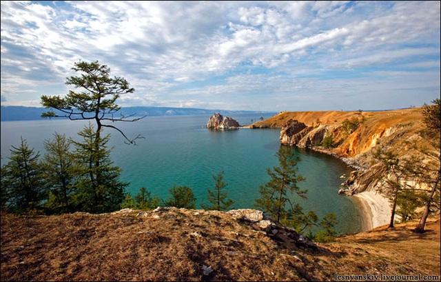 Hồ nước ngọt sâu và lâu đời nhất thế giới với niên đại hơn 25 triệu năm - 1