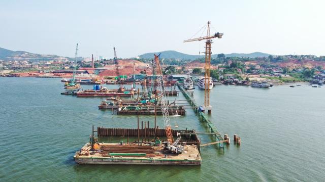 Những công trình làm nên diện mạo hiện đại của Quảng Ninh - 8