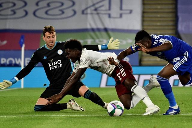 Arsenal hạ gục Leicester ngay tại sân King Power - 3