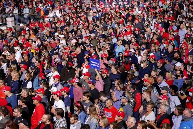 """Những """"chiến binh đỏ"""" ủng hộ Tổng thống Trump tái tranh cử - 1"""