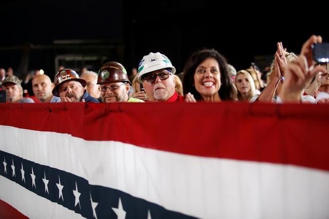 """Những """"chiến binh đỏ"""" ủng hộ Tổng thống Trump tái tranh cử - 4"""