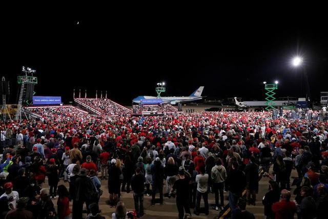 """Những """"chiến binh đỏ"""" ủng hộ Tổng thống Trump tái tranh cử - 8"""