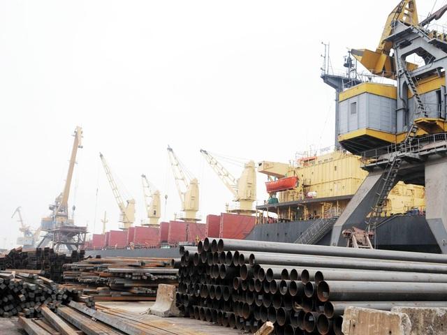 Trung Quốc tăng mua đột biến hơn 1.800% sắt thép Việt Nam  - 1