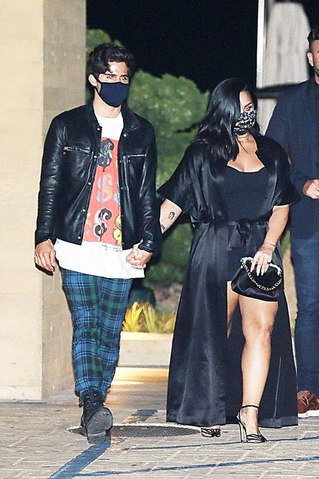 Demi Lovato và bạn trai chia tay sau 2 tháng đính hôn - 8