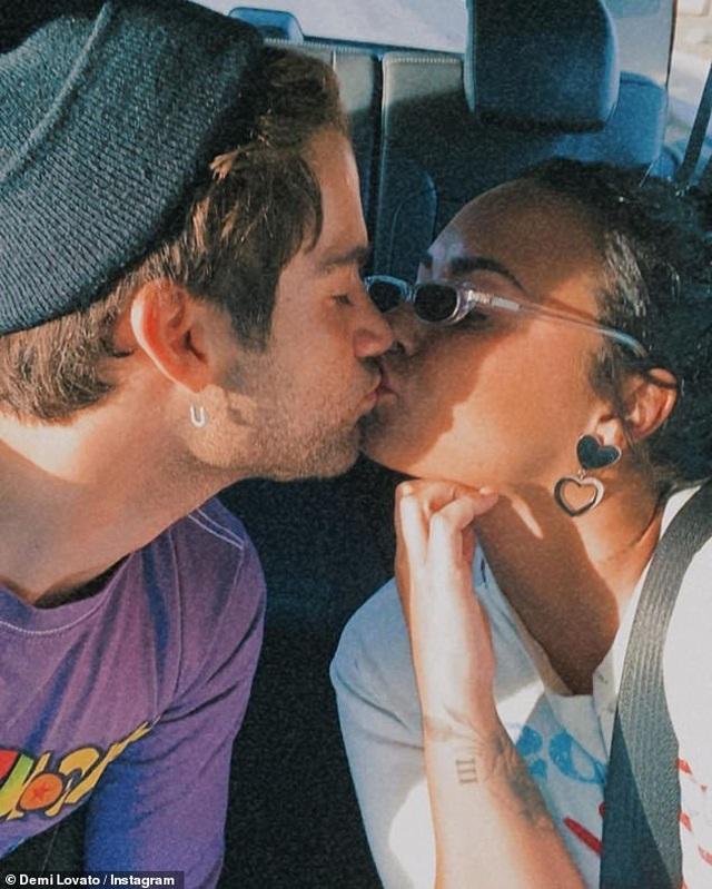 Demi Lovato và bạn trai chia tay sau 2 tháng đính hôn - 6