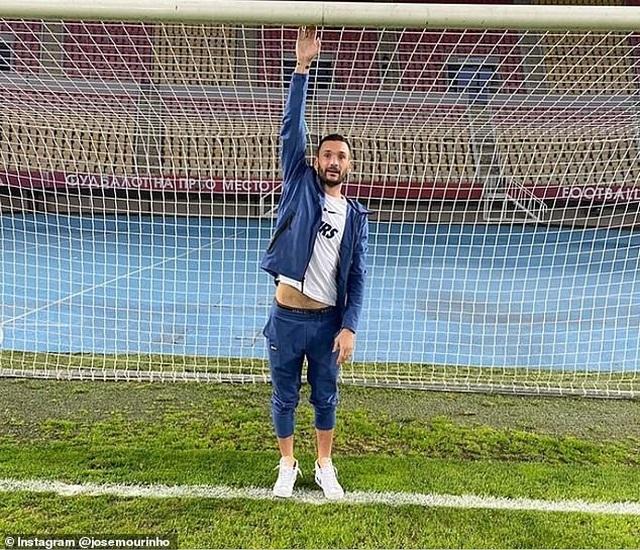 Yêu cầu lạ của HLV Mourinho trong chiến thắng của Tottenham - 2