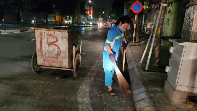 Hà Nội: Công nhân vệ sinh với nỗi lo chuyển mùa - 1