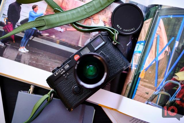Máy ảnh Leica M6 mạ vàng có giá quy đổi gần 700 triệu đồng - 6